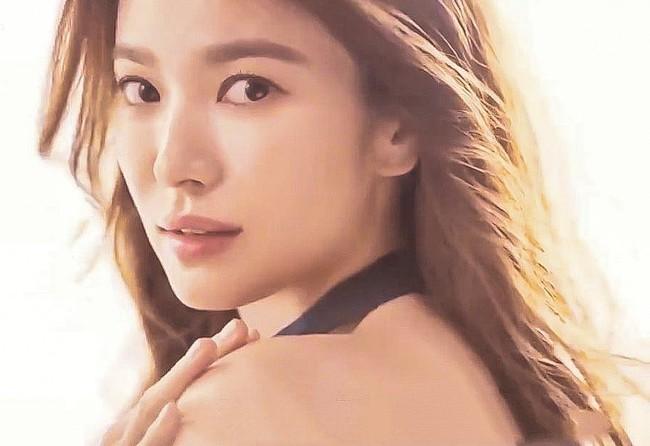 Song Hye Kyo lại khiến dân tình mê mẩn khi khoe nhan sắc đỉnh cao, nhìn sao cũng không giống đã bước sang tuổi 39 - Ảnh 2.