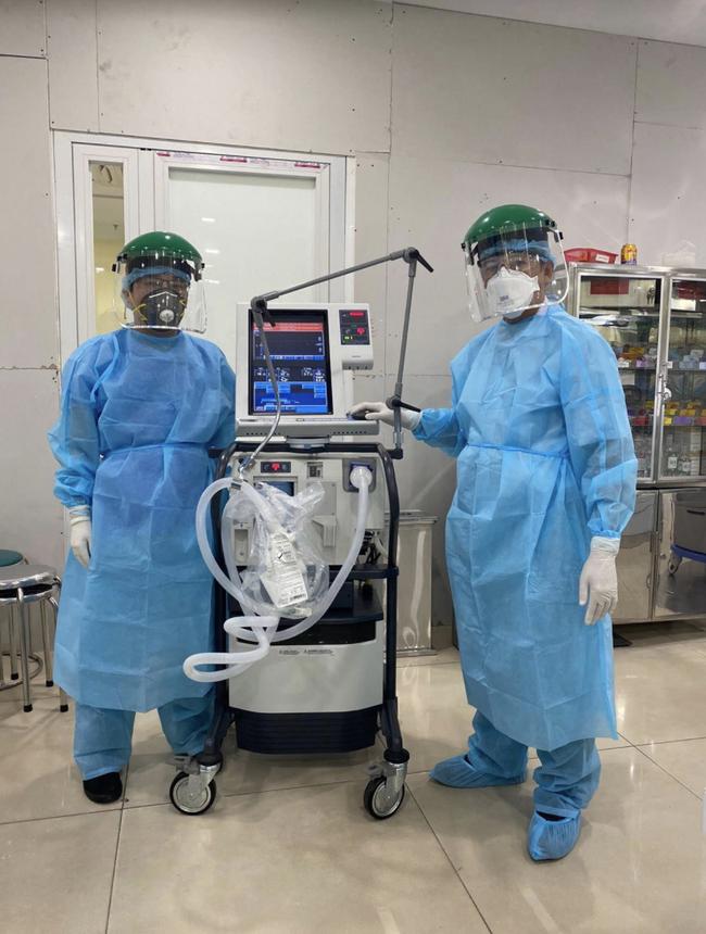 Bệnh viện Chợ Rẫy điều thêm 2 ekip bác sĩ tức tốc ra Quảng Nam, Đà Nẵng hỗ trợ điều trị COVID-19 - Ảnh 2.