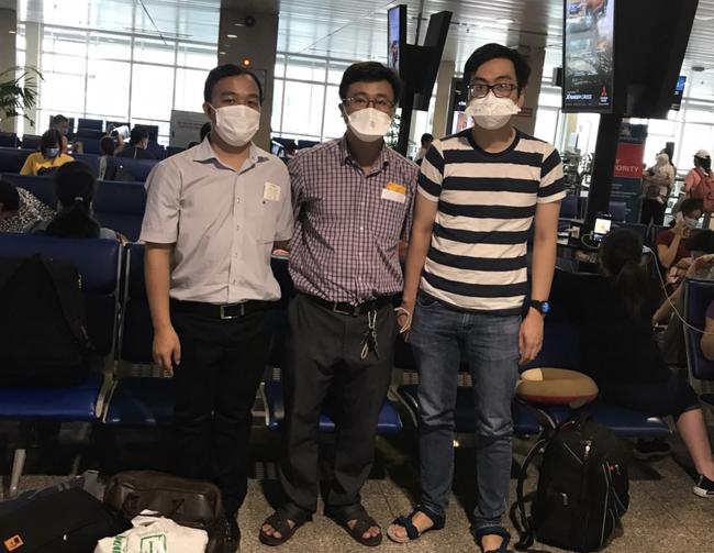 Bệnh viện Chợ Rẫy điều thêm 2 ekip bác sĩ tức tốc ra Quảng Nam, Đà Nẵng hỗ trợ điều trị COVID-19 - Ảnh 1.