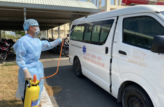 TP.HCM: Từ sáng 1/8, Bệnh viện điều trị COVID-19 Cần Giờ hoạt động trở lại, tiếp nhận người nghi nhiễm bệnh từ Đà Nẵng - Ảnh 1.