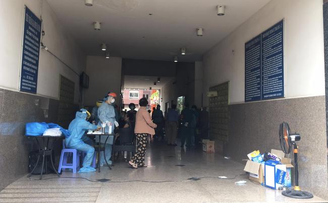 TP.HCM: Người phụ nữ ra Đà Nẵng thăm mẹ nghi nhiễm COVID-19, chung cư Thái An 2 bị phong tỏa - Ảnh 3.