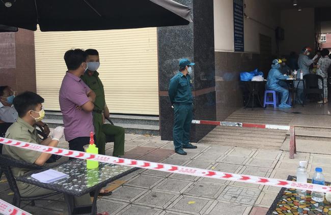 TP.HCM: Người phụ nữ ra Đà Nẵng thăm mẹ nghi nhiễm COVID-19, chung cư Thái An 2 bị phong tỏa - Ảnh 4.