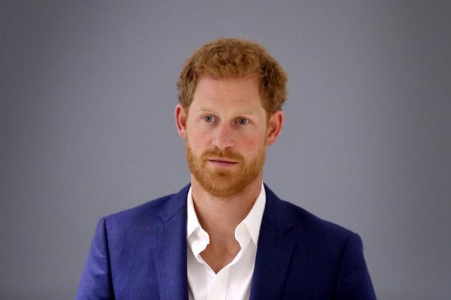 Tiết lộ mới về Harry trong mối quan hệ rạn nứt với vợ chồng anh trai và cha đẻ khiến dư luận thất vọng, hình tượng bấy lâu sụp đổ hoàn toàn - Ảnh 2.