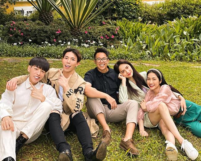 CEO Matt Liu dẫn Hương Giang ra mắt hội bạn thân rich kid nhưng nàng lại né tránh chụp ảnh chung? - Ảnh 3.
