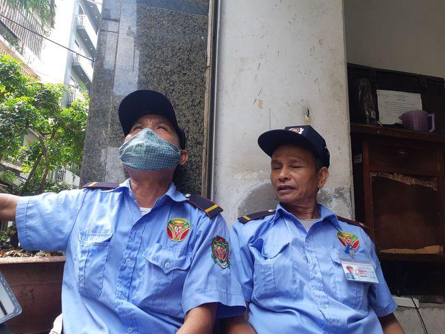 Hà Nội: Sau tiếng nổ lớn kính tòa nhà văng xuống đường trúng taxi, 2 người nhập viện - Ảnh 6.