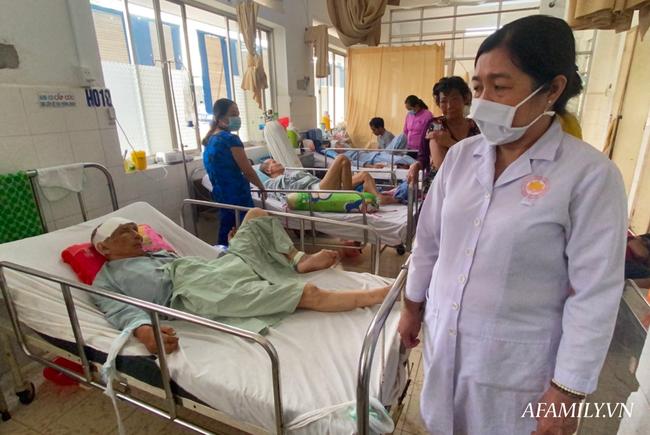 TP.HCM: Bệnh viện khẩn tìm người thân cho cụ ông bị té đập đầu mê sảng, không ai ở bên cạnh - Ảnh 3.