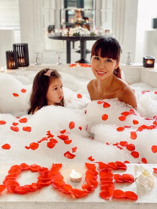 Siêu mẫu Hà Anh tiết lộ bí quyết hạnh phúc sau 4 năm kết hôn - Ảnh 7.