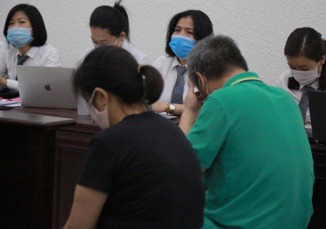Xét xử vụ nam sinh trường Gateway tử vong: VKS đề nghị cho tài xế xe đưa đón và cô giáo chủ nhiệm hưởng án treo - Ảnh 2.