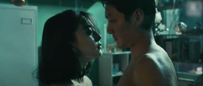 Bộ phim 18+ khiến Triệu Lệ Dĩnh phát ghen: Phạm Băng Băng khỏa thân tắm trần, Phùng Thiệu Phong rạo rực đến mức mất ngủ - Ảnh 11.