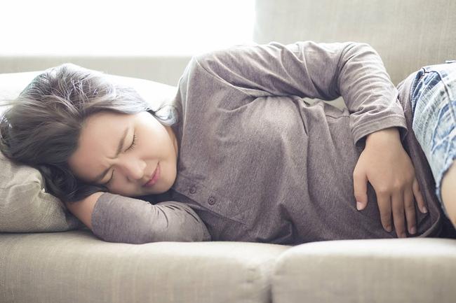 Bị tiêu chảy không ngừng, người phụ nữ phát hiện bị ung thư và 5 dấu bất thường thể hiện rõ qua phân - Ảnh 3.