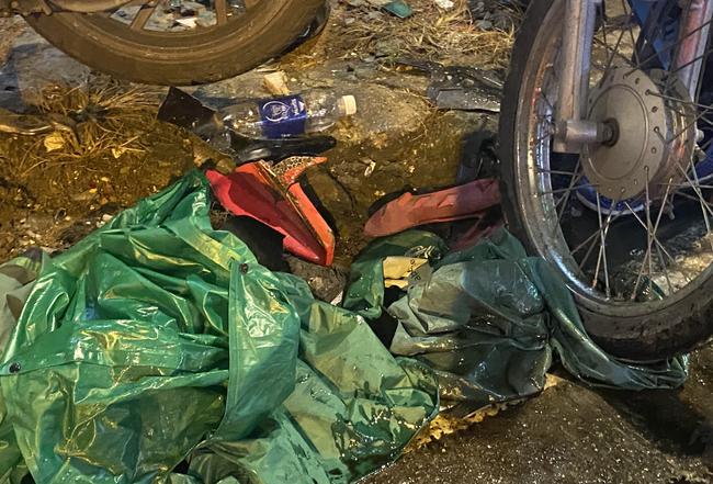 Nhân chứng vụ Camry tông hàng chục xe máy giữa ngã tư Sài Gòn: Ai cũng chảy máu, nữ tài xế sợ hãi vái lạy - Ảnh 9.
