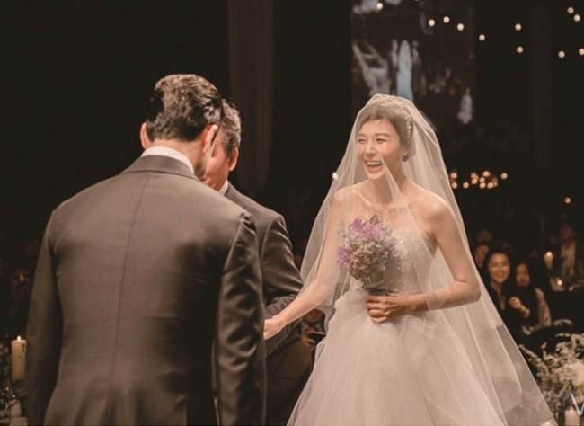 """Netizen bình chọn """"cô dâu đẹp nhất xứ Hàn"""": Jun Ji Hyun, Kim Tae Hee đều có mặt nhưng chua chát nhất là Song Hye Kyo ở vị trí đầu tiên  - Ảnh 12."""