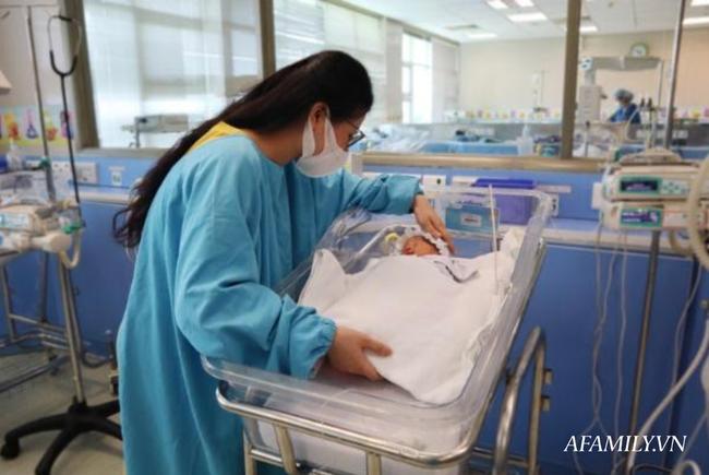"""Phòng khám không biết bệnh nhân mang tam thai, người vợ trẻ sau khi phát hiện vẫn """"liều mạng"""" giữ lại cả 3 thiên thần - Ảnh 3."""