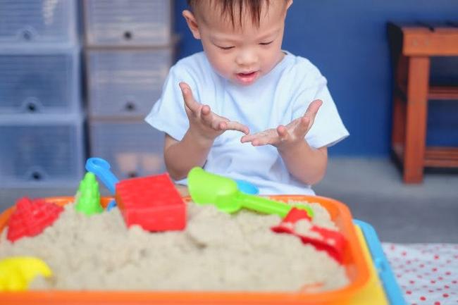 Làm tốt 4 điều này trước khi con 3 tuổi sẽ giúp bé thông minh hơn, nhiều gia đình không làm được điều thứ 4 - Ảnh 3.