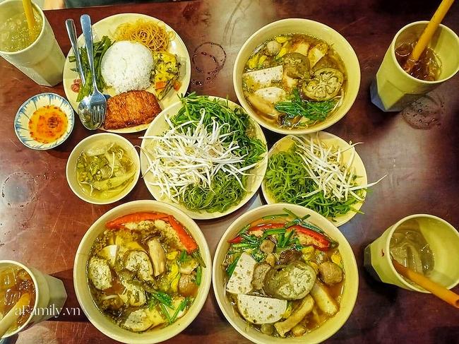 Chị em Angela Phương Trinh mở quán chay chưa bao lâu đã nổi tiếng khắp Sài Gòn, liên tục ra nhiều chi nhánh nhưng liệu có thật sự ngon như lời đồn? - Ảnh 6.