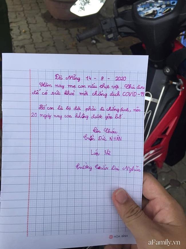 """Túi thịt vịt ấm nóng và bức thư tay xúc động của bé Nhân 8 tuổi gửi đội dân quân khu cách ly Đà Nẵng: """"Chú ăn để có sức khỏe chống dịch Covid-19!"""" - Ảnh 2."""