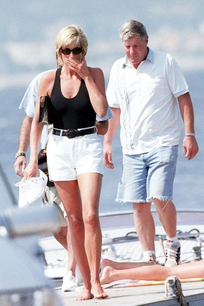 Lên đồ theo style của công nương Diana, cô nàng này ngộ ra được bao nhiêu chân lý mặc đẹp  - Ảnh 8.