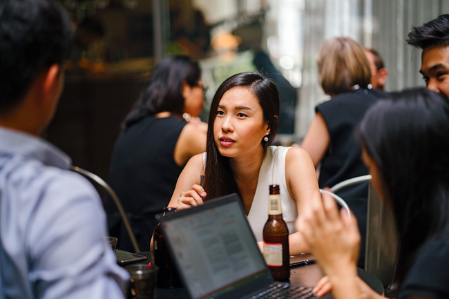 """Hãi hùng vị làm giàu nhờ vào """"keo kiệt"""": Đi ăn lúc tính tiền đều giả vờ nghe điện thoại, hóa đơn mặc nhiên để nhân viên trả tất - Ảnh 3."""