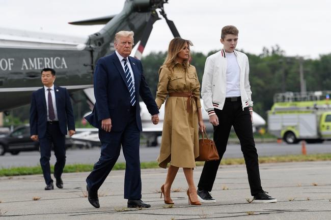 Điều ít biết về cuộc sống của Hoàng tử Barron Trump: Theo học ngôi trường khác biệt với những đứa trẻ Nhà Trắng, dành cho thể thao niềm đam mê bất tận - Ảnh 1.