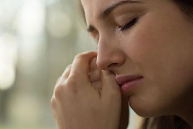 Đến bệnh viện thăm đẻ, tôi sốc khi gặp lại người yêu cũ và càng giận dữ trước thái độ của chồng cô ấy - Ảnh 1.