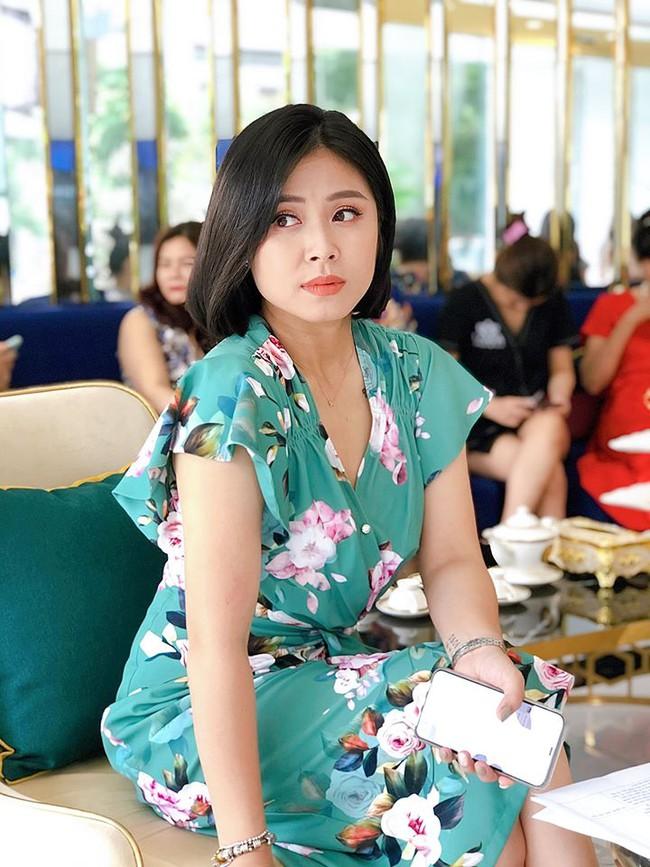 Lộ ảnh bụng to bất thường, MC Hoàng Linh bị nghi đã có tin vui sau khi tái hôn với đồng nghiệp VTV  - Ảnh 3.