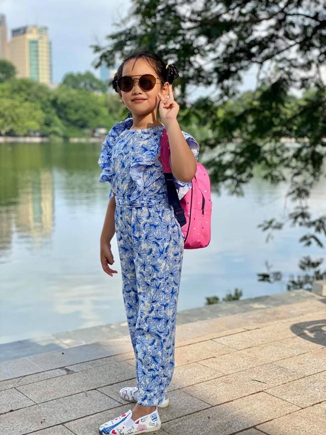 Ngỡ ngàng vì em gái cùng cha khác mẹ của Hà Anh xinh như thiên thần, mới 7 tuổi đã được dự đoán sẽ thành siêu mẫu như chị - Ảnh 4.