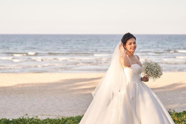 Phanh Lee tung thêm ảnh trong đám cưới với thiếu gia Cocobay sau 2 tháng kết hôn - Ảnh 3.