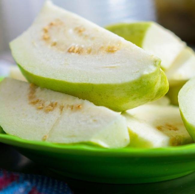 Ngăn ngừa hàng loạt ung thư nguy hiểm chỉ với 6 loại trái cây rẻ bèo, chuyên gia dinh dưỡng đặc biệt khuyên dùng - Ảnh 4.