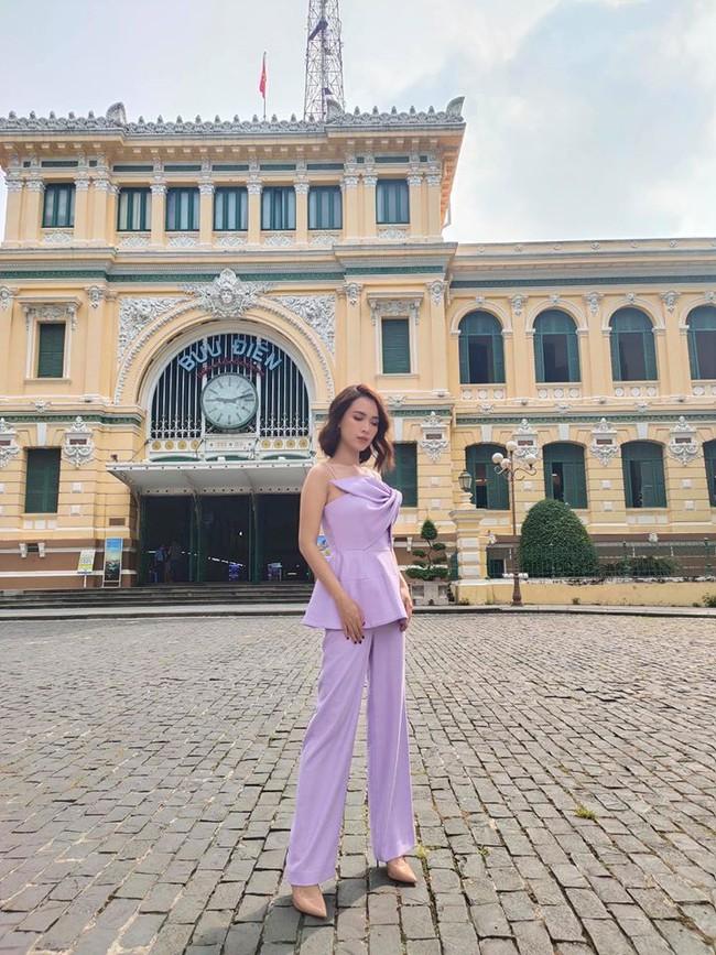 """Ái Phương tiết lộ: """"Sáng nay cô Hai Sài Gòn đi bưu điện""""."""