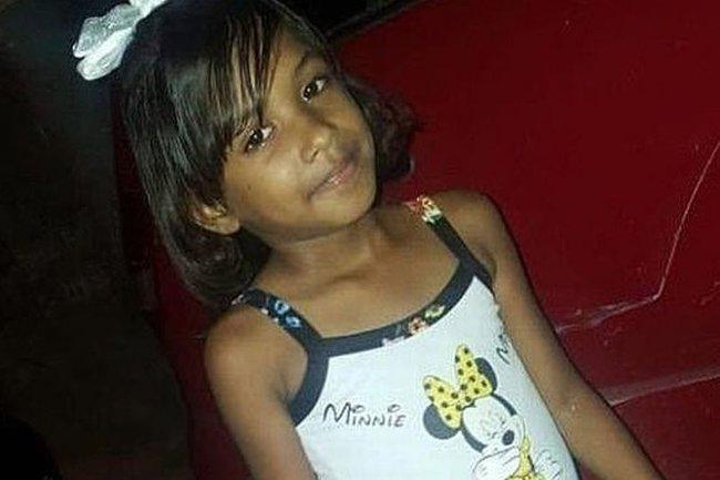 Bé gái 9 tuổi đột ngột mất tích không dấu vết, hình ảnh cuối cùng trên camera của em khiến cha mẹ chết ngất không thể tin vào mắt mình - Ảnh 1.