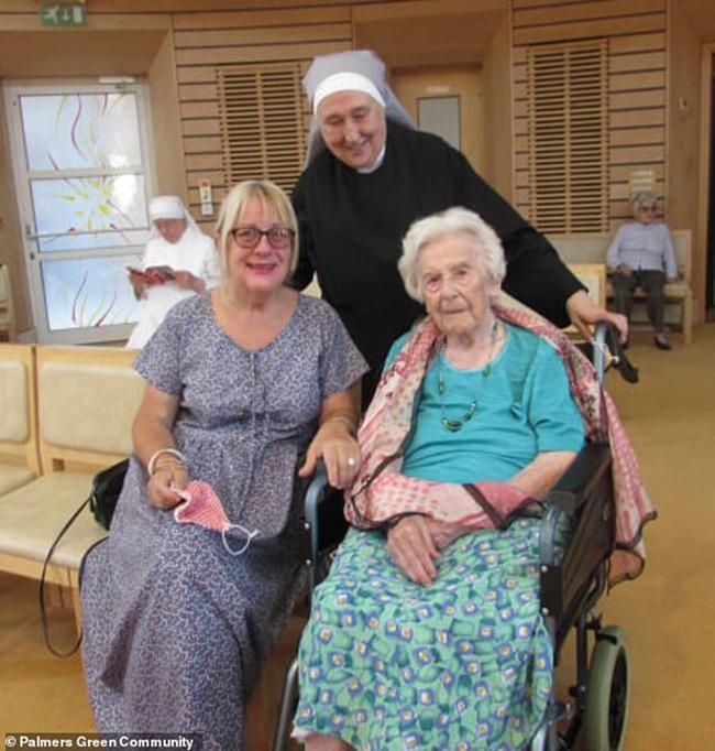Cụ bà 107 tuổi sống sót qua đại dịch cúm Tây Ban Nha và bí quyết vượt qua Covid-19 chỉ nhờ vào 1 quả cam tươi mỗi ngày - Ảnh 2.