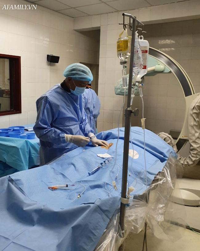 Vô tình gãy xương đùi, người phụ nữ nhập viện mới biết suýt chết vì căn bệnh rất nguy hiểm ở phổi - Ảnh 3.