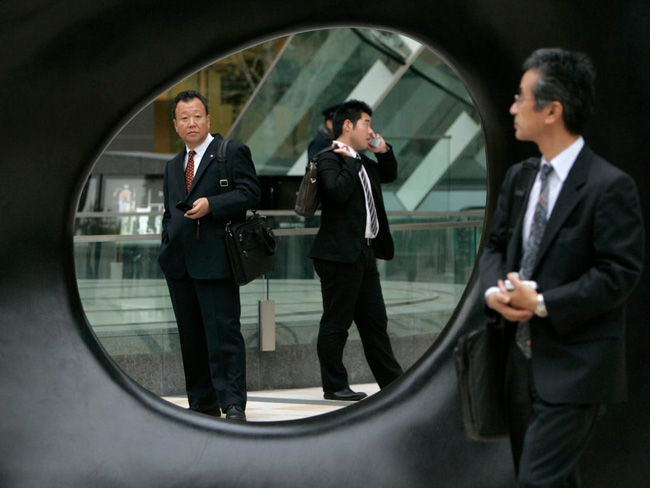 Tại sao không ít người Nhật dành cả đời chỉ để làm việc cho 1 hoặc 2 công ty? - Ảnh 3.