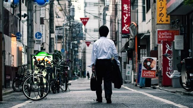 Tại sao không ít người Nhật dành cả đời chỉ để làm việc cho 1 hoặc 2 công ty? - Ảnh 1.