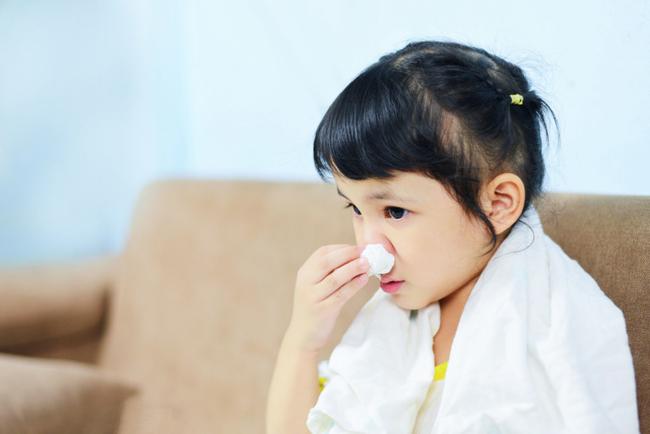 Dịch cúm sắp vào mùa, đây là việc bố mẹ cần làm ngay để phòng bệnh cho con - Ảnh 1.