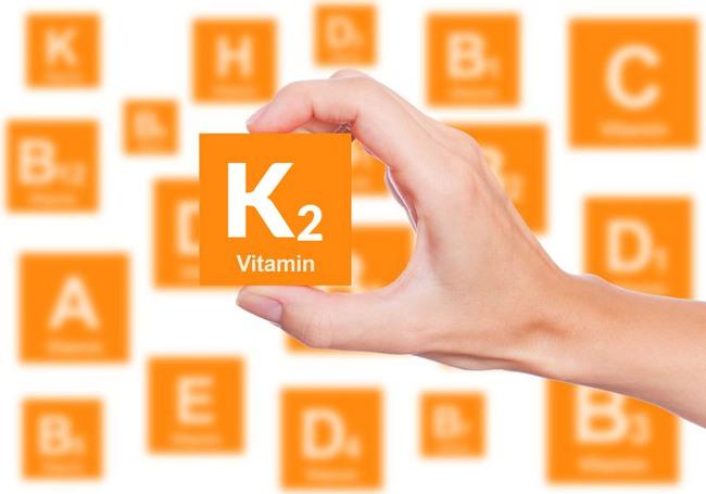 Nhiều mẹ đổ xô mua Vitamin D3 + K2 bổ sung cho con để hỗ trợ tăng chiều cao nhưng đây là ý kiến bất ngờ của bác sĩ Collin - Ảnh 1.