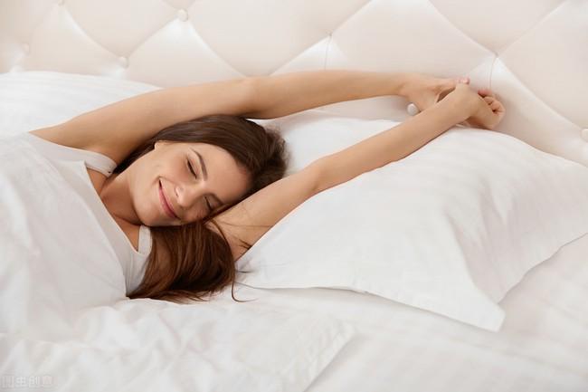 3 thói quen nếu làm trước khi đi ngủ sẽ có hại hơn cả thức khuya, hãy mạnh dạn từ bỏ chúng ngay trước khi quá muộn - Ảnh 5.