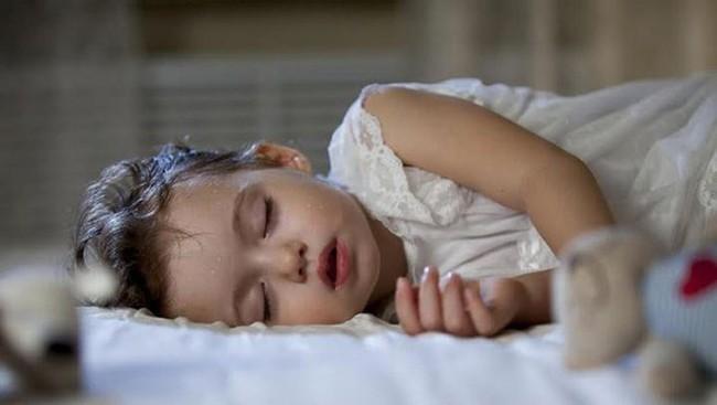 """Năm biểu hiện của trẻ sau khi ngủ cho thấy lá lách và dạ dày đang """"kêu cứu"""" - Ảnh 2."""
