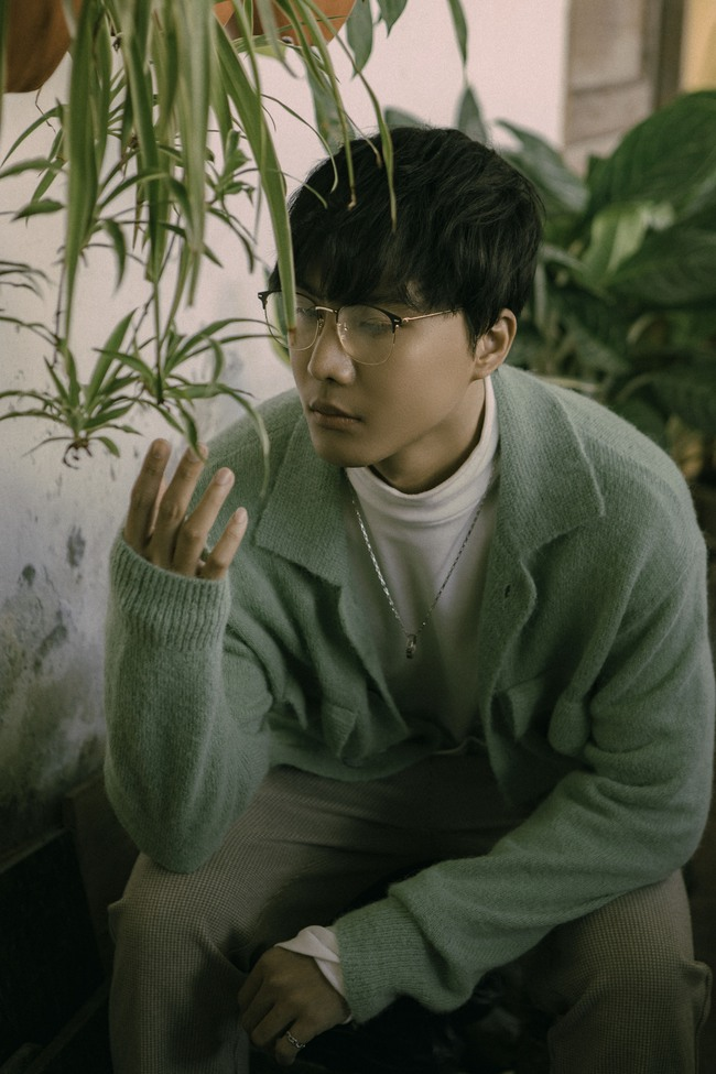 Trở lại sau The Voice 2018, học trò Tóc Tiên tung MV kết hợp cùng hit maker Vương Anh Tú - Ảnh 7.