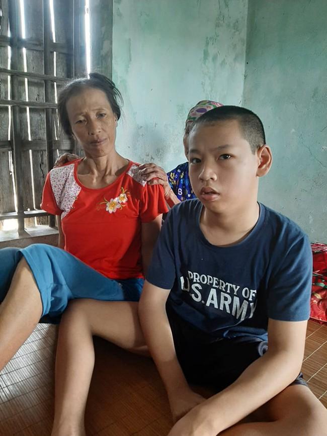 """Gánh nặng của cụ bà chăm con gái ung thư, cháu ngoại tàn tật: """"Tôi chẳng sợ gì, chỉ sợ chết. Tôi mà chết thì con, cháu tôi sống thế nào đây?"""" - Ảnh 11."""