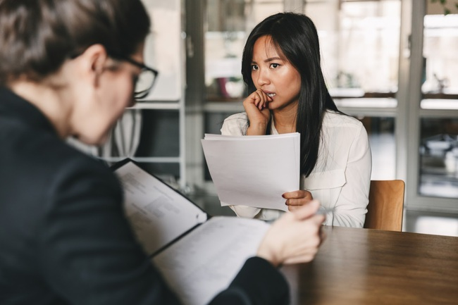 """Nói chị HR """"cơ cấu"""" đã nhận người quen còn vờ đăng tin tuyển dụng, nàng công sở không biết mình đã mắc sai lầm nghiêm trọng - Ảnh 5."""
