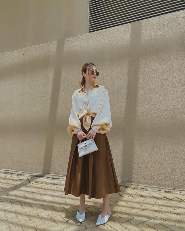 Chỉ với 3 kiểu chân váy mà Yến Trang và Yến Nhi chế được bao set đồ siêu sang, chị em cần gì sắm nhiều cho tốn kém  - Ảnh 6.
