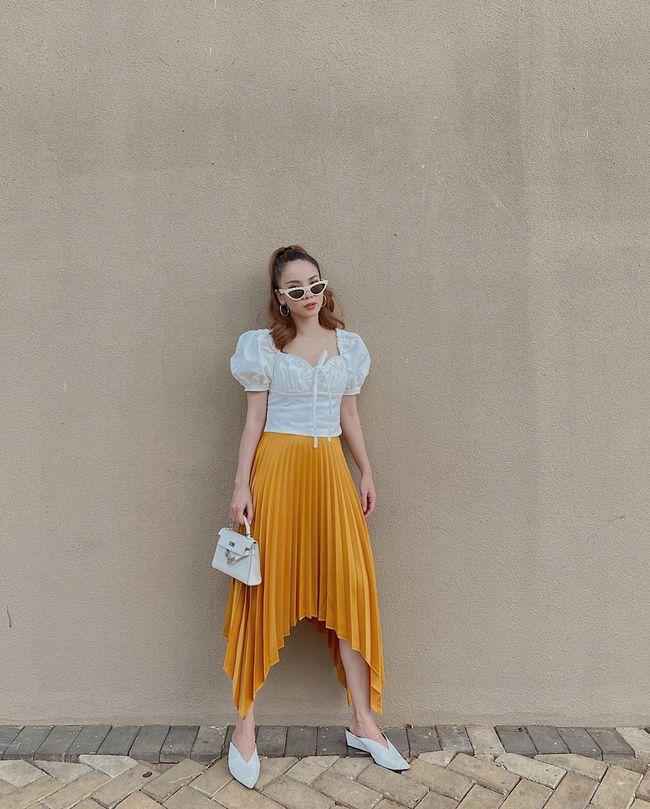 Chỉ với 3 kiểu chân váy mà Yến Trang và Yến Nhi chế được bao set đồ siêu sang, chị em cần gì sắm nhiều cho tốn kém  - Ảnh 9.