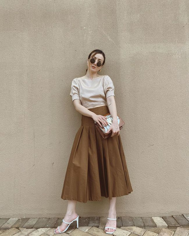 Chỉ với 3 kiểu chân váy mà Yến Trang và Yến Nhi chế được bao set đồ siêu sang, chị em cần gì sắm nhiều cho tốn kém  - Ảnh 4.