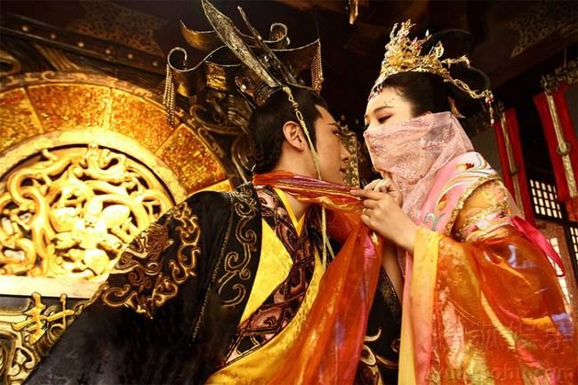 Hoàng đế si tình bậc nhấtTrung Hoa: Hoàng hậu qua đời vẫn vào quan tài ân ái với xác chết vì yêu đến mù quáng - Ảnh 1.