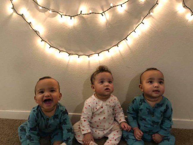 Một mình trông 3 đứa con, ông bố chật vật đến nỗi không thể đóng được cửa tủ lạnh khiến ai thấy cũng phải cười lăn lóc - Ảnh 4.