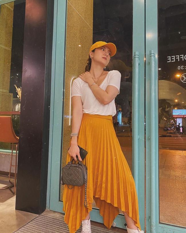 Chỉ với 3 kiểu chân váy mà Yến Trang và Yến Nhi chế được bao set đồ siêu sang, chị em cần gì sắm nhiều cho tốn kém  - Ảnh 8.