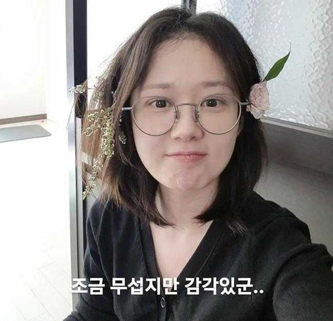 """Khoe mặt mộc tự nhiên cùng một thời điểm nhưng cả Song Hye Kyo và Goo Hye Sun đều thua trước """"mỹ nhân không tuổi"""" này - Ảnh 3."""