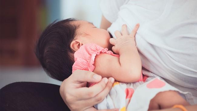 7 cách tự nhiên giúp mẹ có nhiều sữa hơn - Ảnh 1.
