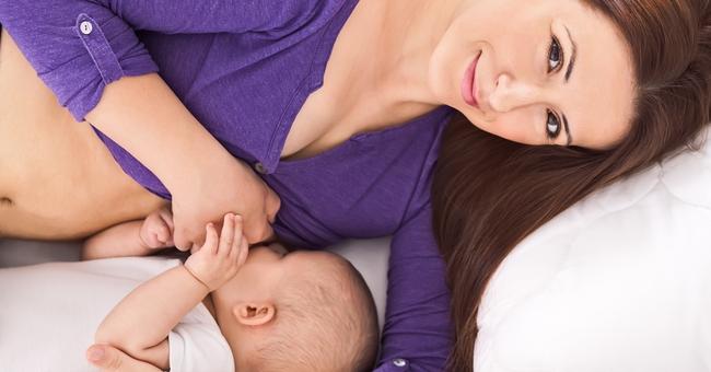 7 cách tự nhiên giúp mẹ có nhiều sữa hơn - Ảnh 2.